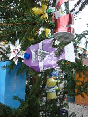 christmas tree decorated with trash - Christmas Tree Garbage Bag